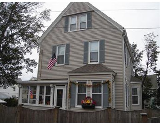 Single Family Home for Sale at 7 CLINTON PLACE 7 CLINTON PLACE Everett, Massachusetts 02149 United States