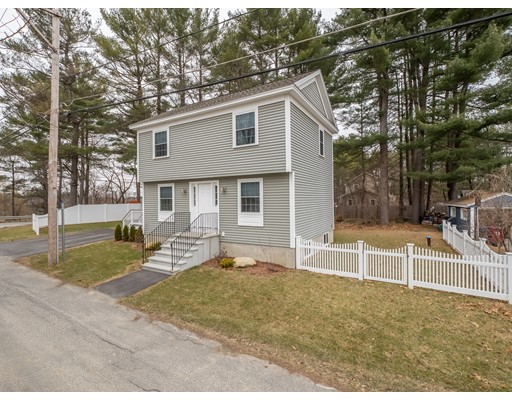 Single Family Home for Sale at 77 Frost Road 77 Frost Road Tyngsborough, Massachusetts 01879 United States