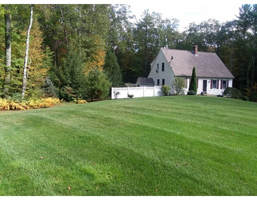 Single Family Home for Sale at 796 Walnut Hill Road 796 Walnut Hill Road Barre, Massachusetts 01005 United States