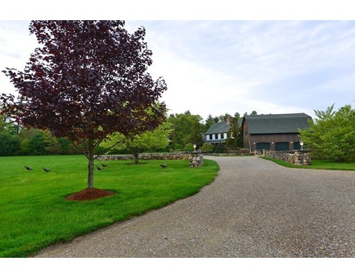 Single Family Home for Sale at 30 VAUGHAN HILL Road 30 VAUGHAN HILL Road Rochester, Massachusetts 02770 United States
