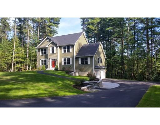 Maison unifamiliale pour l Vente à 8 Doiron Road 8 Doiron Road Windham, New Hampshire 03087 États-Unis