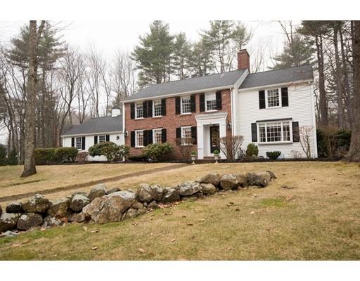 Single Family Home for Sale at 25 Grey Lane 25 Grey Lane Lynnfield, Massachusetts 01940 United States