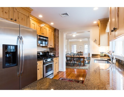 Single Family Home for Sale at 820 Main Street 820 Main Street Chatham, Massachusetts 02633 United States