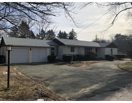 Maison unifamiliale pour l Vente à 270 S Main Street 270 S Main Street Hopedale, Massachusetts 01747 États-Unis
