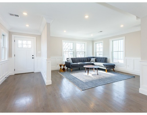 Additional photo for property listing at 15 Warwick  Somerville, Massachusetts 02145 United States
