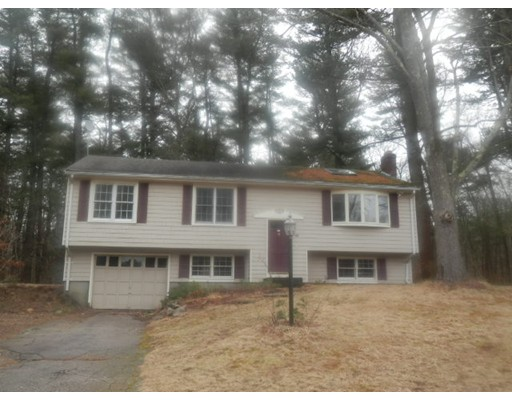 Single Family Home for Sale at 118 Carriage Road 118 Carriage Road Hanson, Massachusetts 02341 United States
