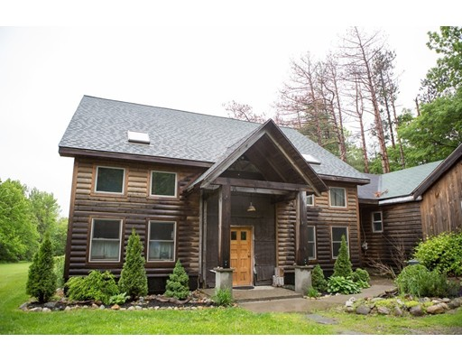Maison unifamiliale pour l Vente à 305 Crest Lane 305 Crest Lane Granville, Massachusetts 01034 États-Unis