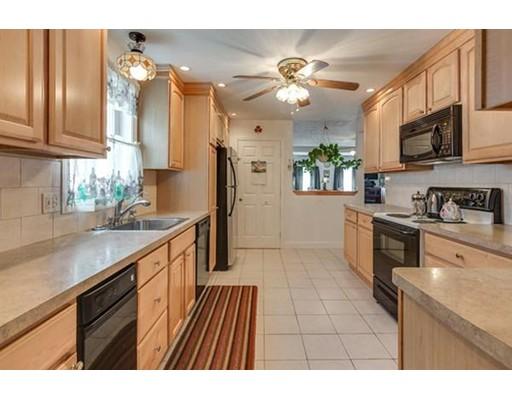 独户住宅 为 销售 在 34 Spring Street 34 Spring Street Everett, 马萨诸塞州 02149 美国