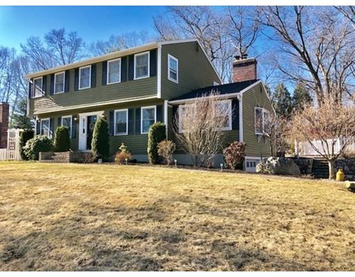Maison unifamiliale pour l Vente à 18 Bruce Street 18 Bruce Street Grafton, Massachusetts 01519 États-Unis