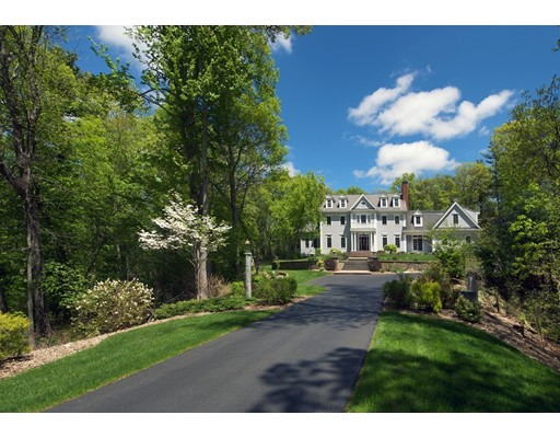 Casa Unifamiliar por un Venta en 92 Hollis Street Sherborn, Massachusetts 01770 Estados Unidos