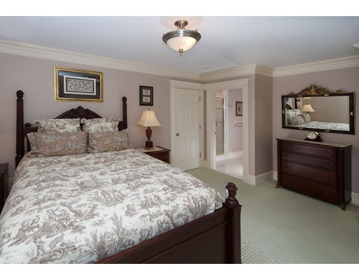 92 Hollis Street, Sherborn, MA, 01770
