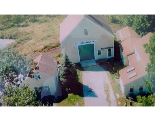 Maison unifamiliale pour l Vente à 127 S Bolton Road 127 S Bolton Road Bolton, Massachusetts 01740 États-Unis