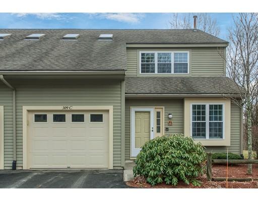Appartement en copropriété pour l Vente à 309 Ridgefield Circle 309 Ridgefield Circle Clinton, Massachusetts 01510 États-Unis