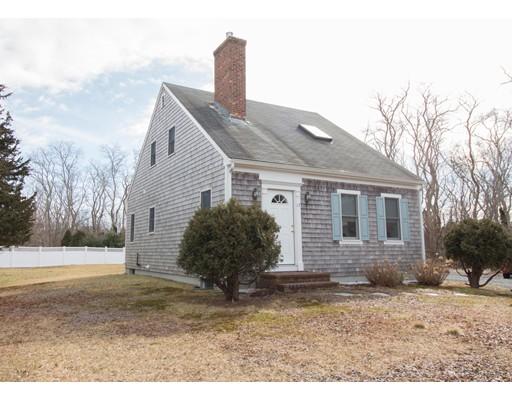 Maison unifamiliale pour l Vente à 17 Fallon Road 17 Fallon Road Eastham, Massachusetts 02642 États-Unis