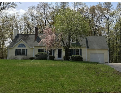 Single Family Home for Sale at 10 Sequoia Road 10 Sequoia Road Tyngsborough, Massachusetts 01879 United States