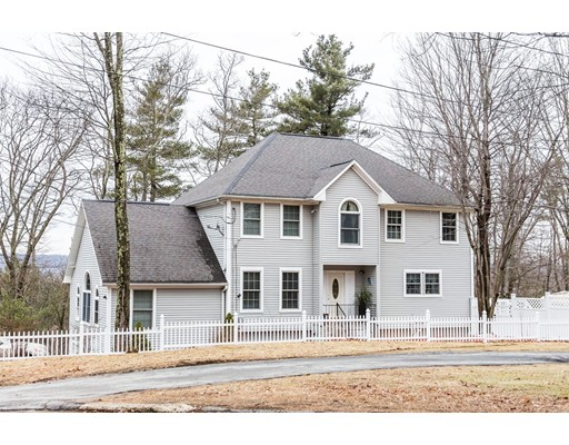 Single Family Home for Sale at 33 Burnap Street Auburn, Massachusetts 01501 United States