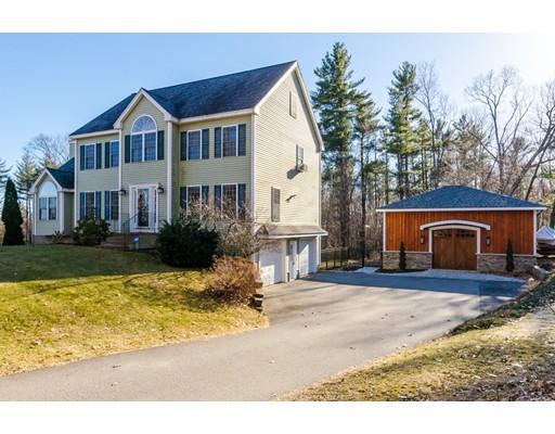 Частный односемейный дом для того Продажа на 21 Blue Jay Lane 21 Blue Jay Lane Pelham, Нью-Гэмпшир 03076 Соединенные Штаты