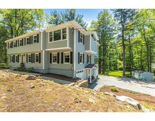 واحد منزل الأسرة للـ Sale في 22 North Hill Drive 22 North Hill Drive Lynnfield, Massachusetts 01940 United States