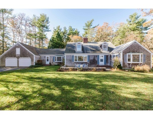 Single Family Home for Sale at 122 Register Road 122 Register Road Marion, Massachusetts 02738 United States