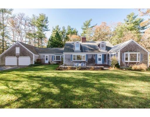 Single Family Home for Sale at 122 Register Road 122 Register Road Marion, Massachusetts 02738 United States