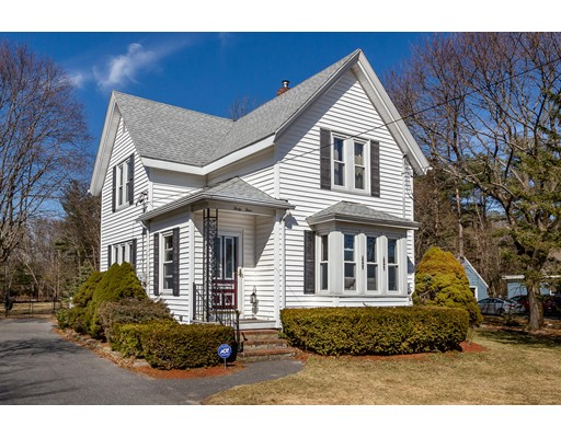 Single Family Home for Sale at 44 Walnut Street 44 Walnut Street West Bridgewater, Massachusetts 02379 United States