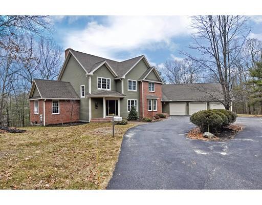 独户住宅 为 销售 在 74 Flaxfield Road 74 Flaxfield Road Dudley, 马萨诸塞州 01571 美国