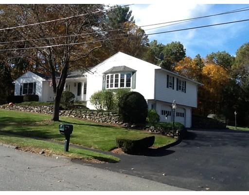 Частный односемейный дом для того Продажа на 15 Townsend Dr, 15 Townsend Dr, West Boylston, Массачусетс 01583 Соединенные Штаты