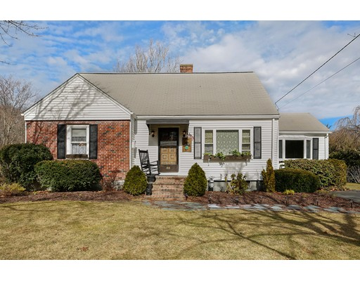 Single Family Home for Sale at 188 Summer Street Rockland, Massachusetts 02370 United States