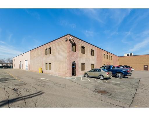 Commercial pour l Vente à 270 Centre Street 270 Centre Street Holbrook, Massachusetts 02343 États-Unis