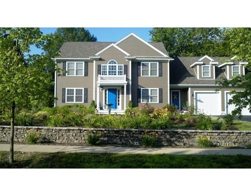 Nhà ở một gia đình vì Bán tại 8 Strawberry Farm Road 8 Strawberry Farm Road Marshfield, Massachusetts 02050 Hoa Kỳ