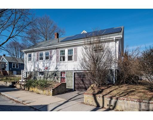 Nhà ở một gia đình vì Bán tại 2231 Centre Street 2231 Centre Street Boston, Massachusetts 02132 Hoa Kỳ