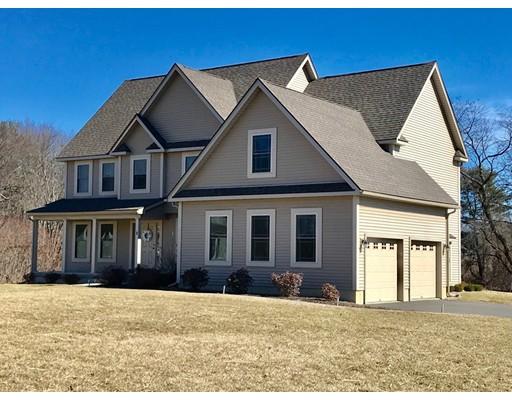واحد منزل الأسرة للـ Sale في 2 Hawks Mdw 2 Hawks Mdw Hadley, Massachusetts 01035 United States
