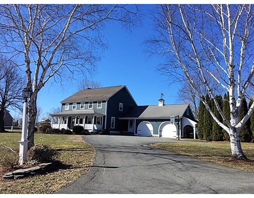 Maison unifamiliale pour l Vente à 83 Russell Street 83 Russell Street Sunderland, Massachusetts 01375 États-Unis