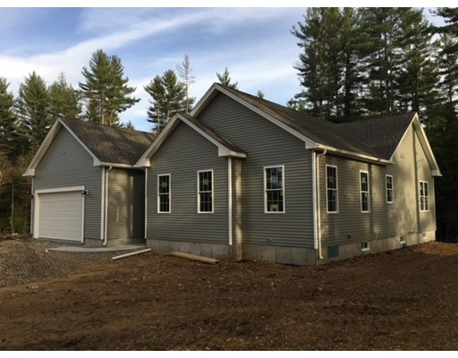 Single Family Home for Sale at 38 warren Road Sturbridge, Massachusetts 01566 United States
