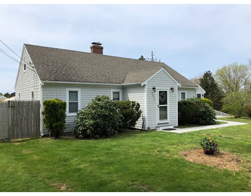 Maison unifamiliale pour l Vente à 1435 State Hwy 1435 State Hwy Eastham, Massachusetts 02642 États-Unis