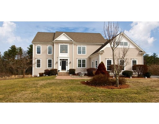 Single Family Home for Sale at 7 Dairy Drive Upton, Massachusetts 01568 United States