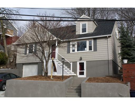 Частный односемейный дом для того Продажа на 61 Woodlawn Street 61 Woodlawn Street Everett, Массачусетс 02149 Соединенные Штаты