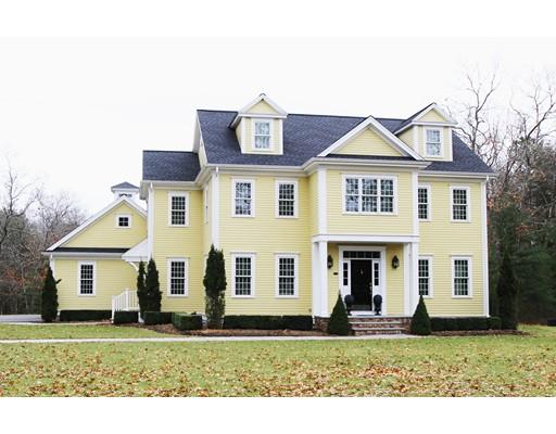 واحد منزل الأسرة للـ Sale في 2 Sand Trap Lane 2 Sand Trap Lane Lakeville, Massachusetts 02347 United States