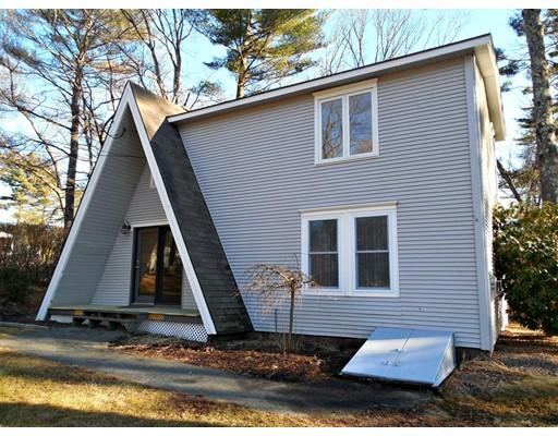 واحد منزل الأسرة للـ Sale في 3 Indian Hill Road 3 Indian Hill Road Ware, Massachusetts 01082 United States