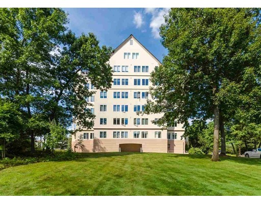 Condominium for Sale at 12 Mountain Laurels Drive Nashua, New Hampshire 03062 United States