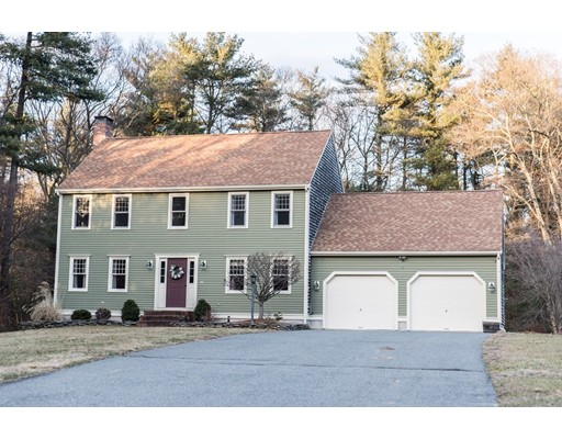Single Family Home for Sale at 60 Heather Hills Drive 60 Heather Hills Drive Bridgewater, Massachusetts 02324 United States