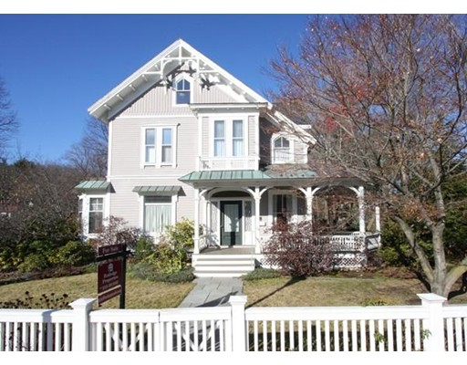 Townhouse for Rent at 619 Washington St #A 619 Washington St #A Wellesley, Massachusetts 02482 United States