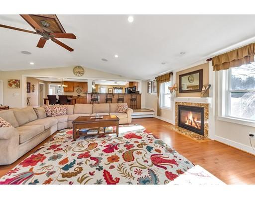 Частный односемейный дом для того Продажа на 23 Alden Road 23 Alden Road Windsor, Коннектикут 06095 Соединенные Штаты