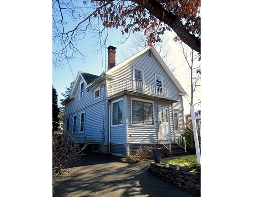 Casa Unifamiliar por un Venta en 517 Burncoat Street Worcester, Massachusetts 01606 Estados Unidos