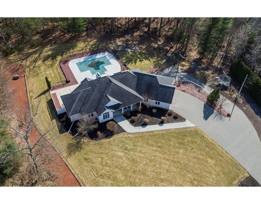 Single Family Home for Sale at 96 Clearwater Circle 96 Clearwater Circle Ludlow, Massachusetts 01056 United States