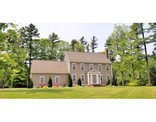 Maison unifamiliale pour l Vente à 10 Hartswoods Way 10 Hartswoods Way Bridgewater, Massachusetts 02324 États-Unis