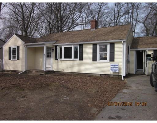 独户住宅 为 销售 在 95 Lazel Street 95 Lazel Street Whitman, 马萨诸塞州 02382 美国