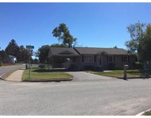 Single Family Home for Rent at 5 Brianna Lane 5 Brianna Lane Springfield, Massachusetts 01129 United States