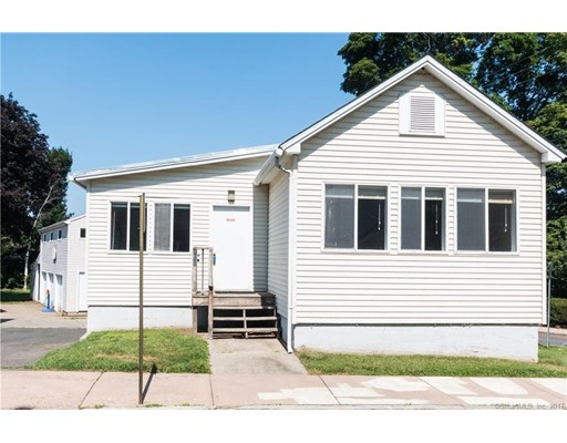 Single Family Home for Sale at 100 North Street 100 North Street Manchester, Connecticut 06042 United States