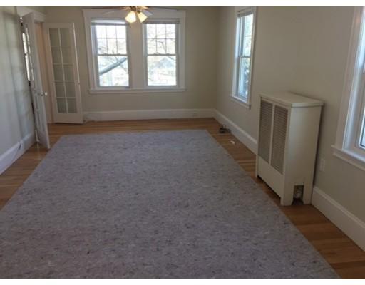Частный односемейный дом для того Аренда на Maple Street Maple Street Milton, Массачусетс 02186 Соединенные Штаты